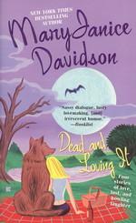 Dead and Loving It  - TILBUD (så længe lager haves, der tages forbehold for udsolgte varer) (Davidson, Mary Janice)