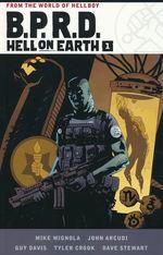 B.P.R.D. (TPB): Hell on Earth Omnibus Volume 1.